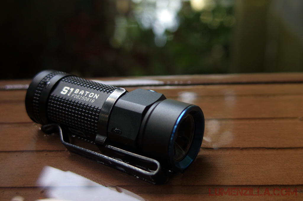 01-olight-s1-baton-smallest-side-switch-flashlight