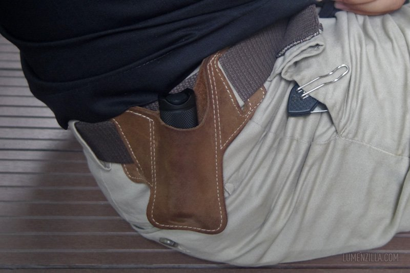 17 manker e14  in leather custom holster