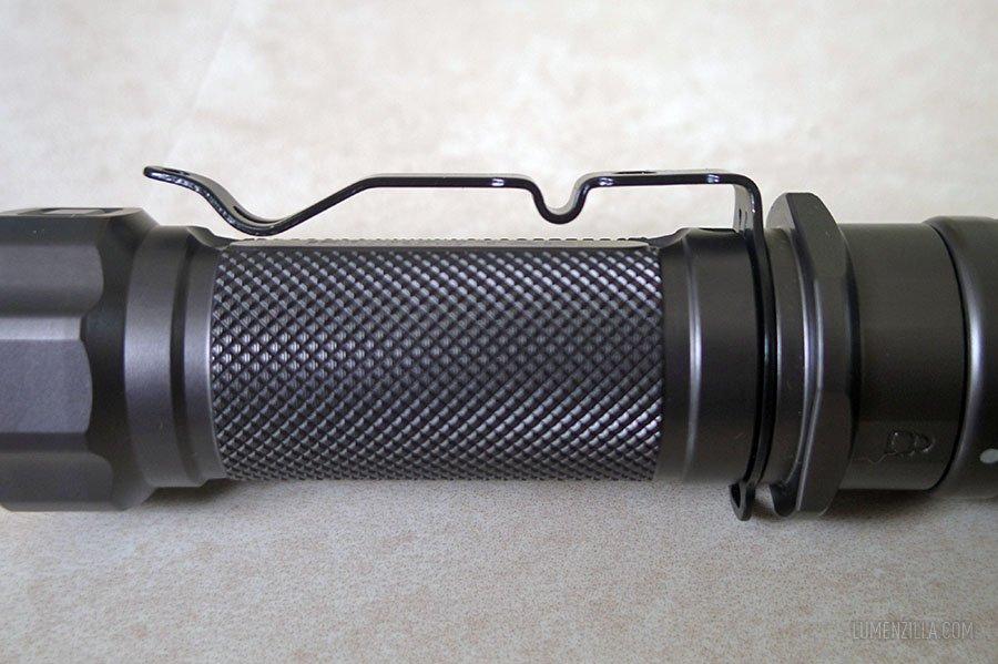 jetbeam-jet-IIm-knurling-pocket-clip.jpg